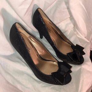 Glittery bowtie peep-toe Mootsies Tootsies heels 9